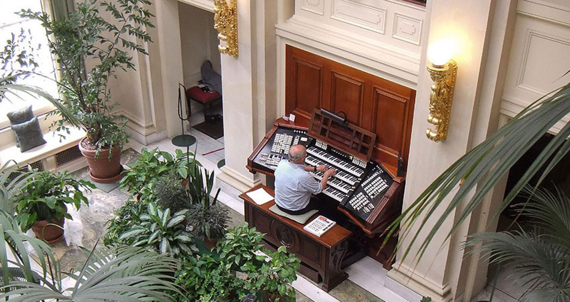 Joe Blackburn playing the Aeolian Pipe organ